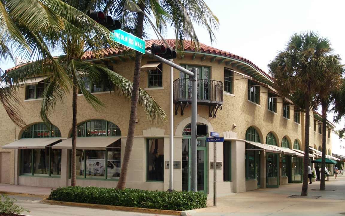 852 Lincoln Road Mall