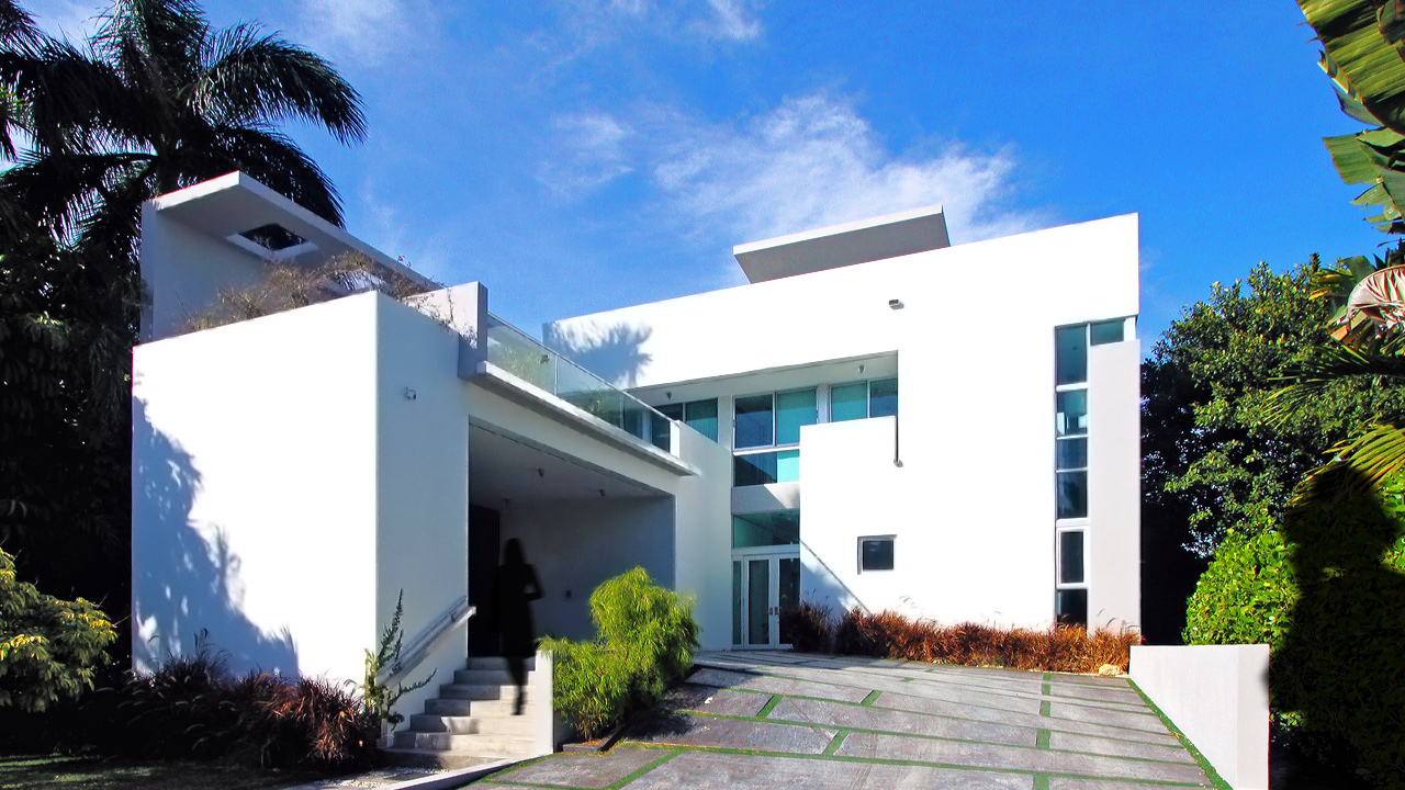 Merayo-Delgado Residence